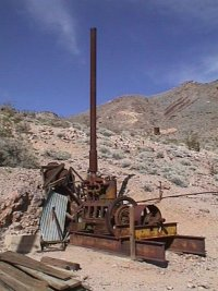 Inyo mine, mining equipment ruins